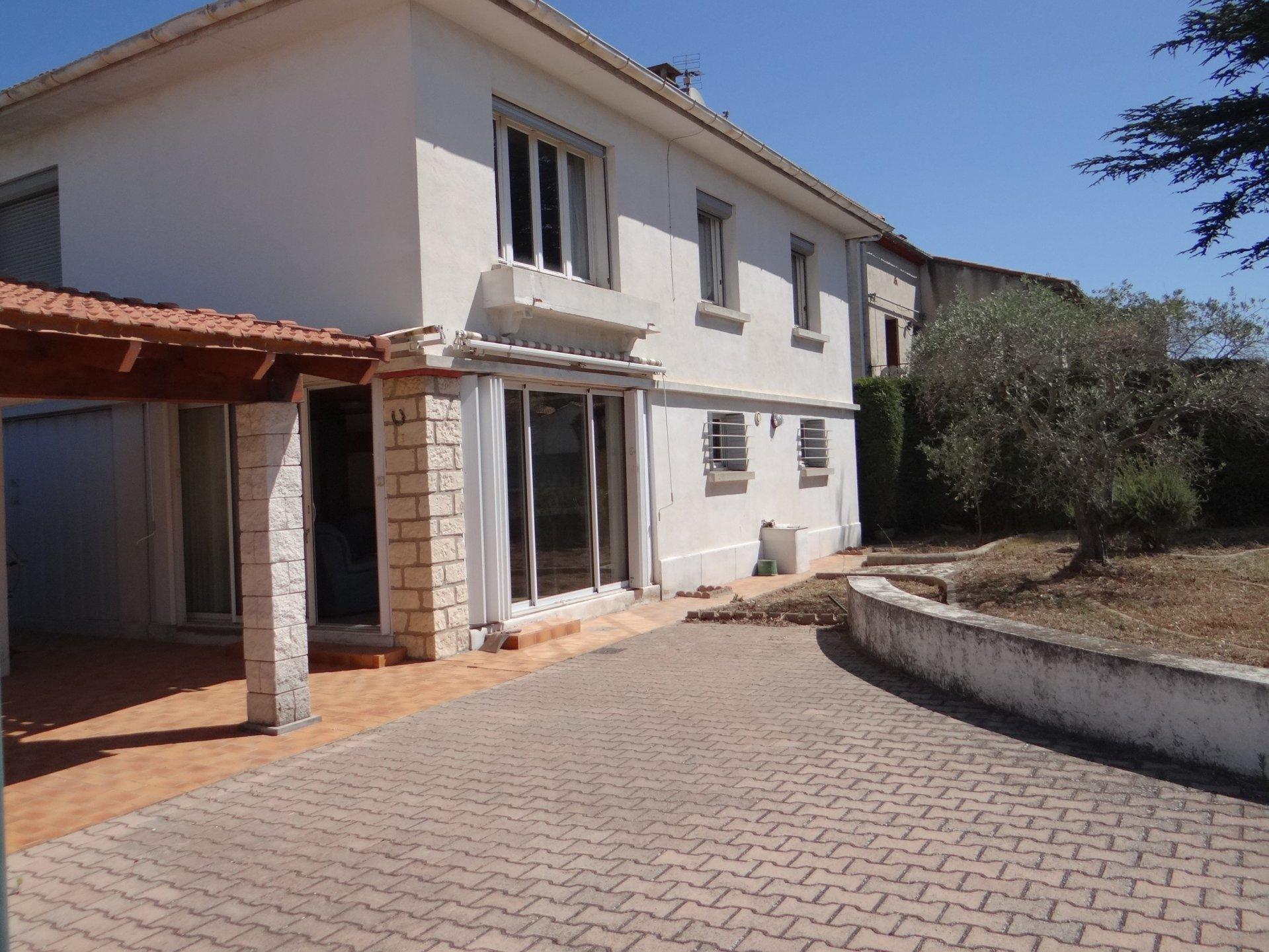 Grande villa 2 apparts