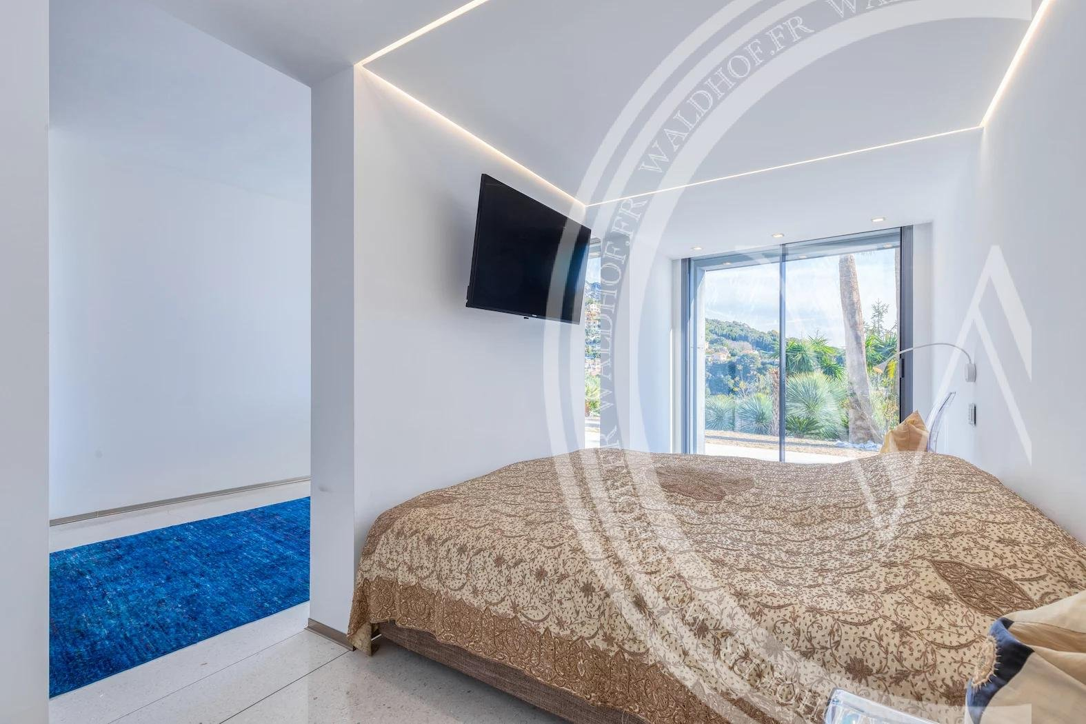 Villa d'architecte surplombant Monaco
