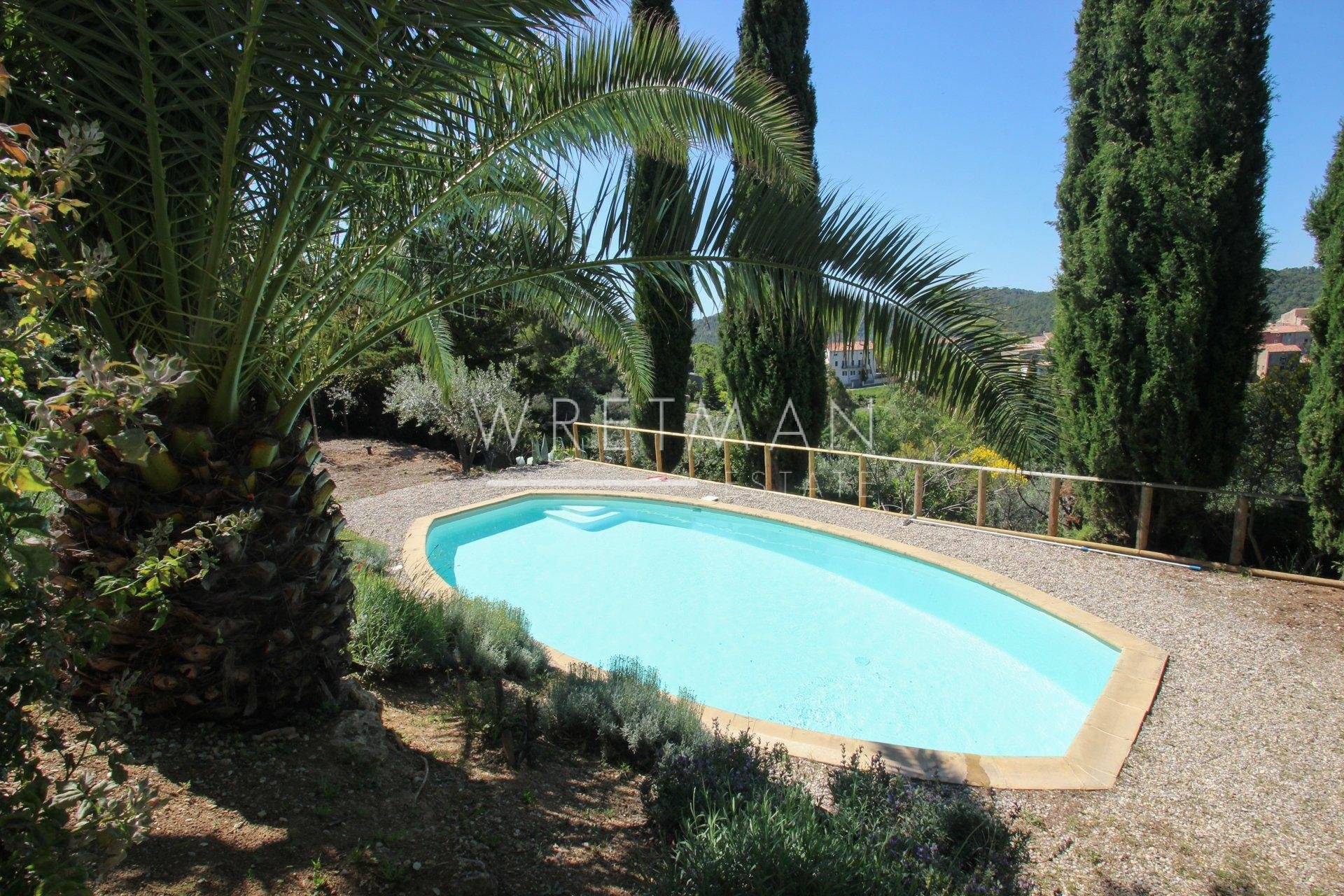Villa with pool - Claviers