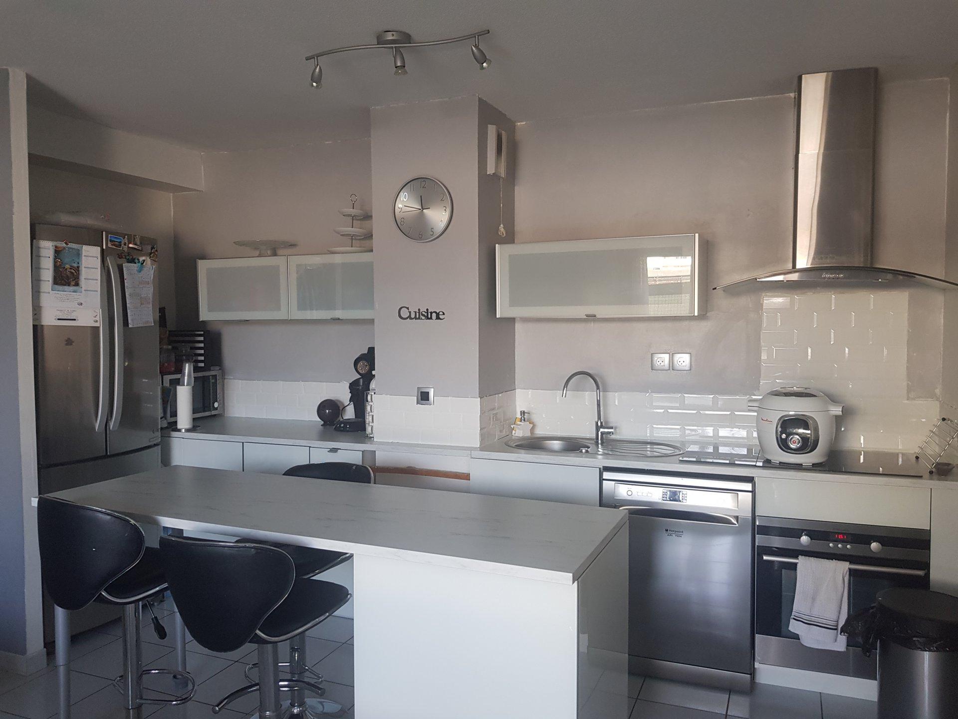 Kitchen bar, stainless steel, kitchen island