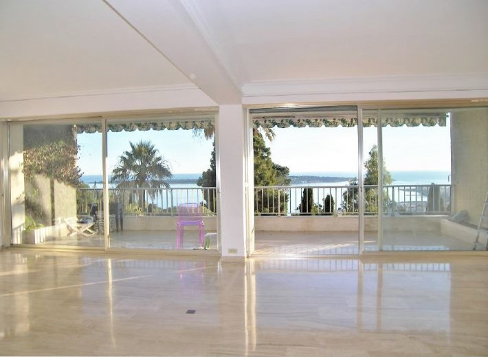 SPACIOUS UNFURNISHED APARTMENT WITH SEA VIEW