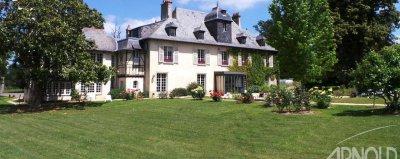 Manoir , dépendance et maison dans propriété arborée à 10 mn du centre ville de Rennes