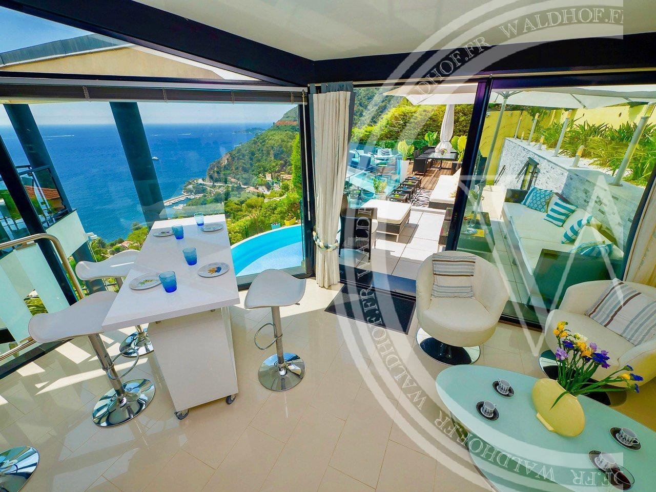 Colourful villa in Eze