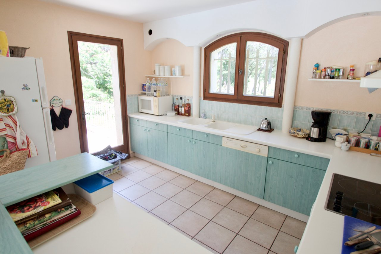 Saint Raphaël - Beautifully located 6 room villa with garage and swimming pool