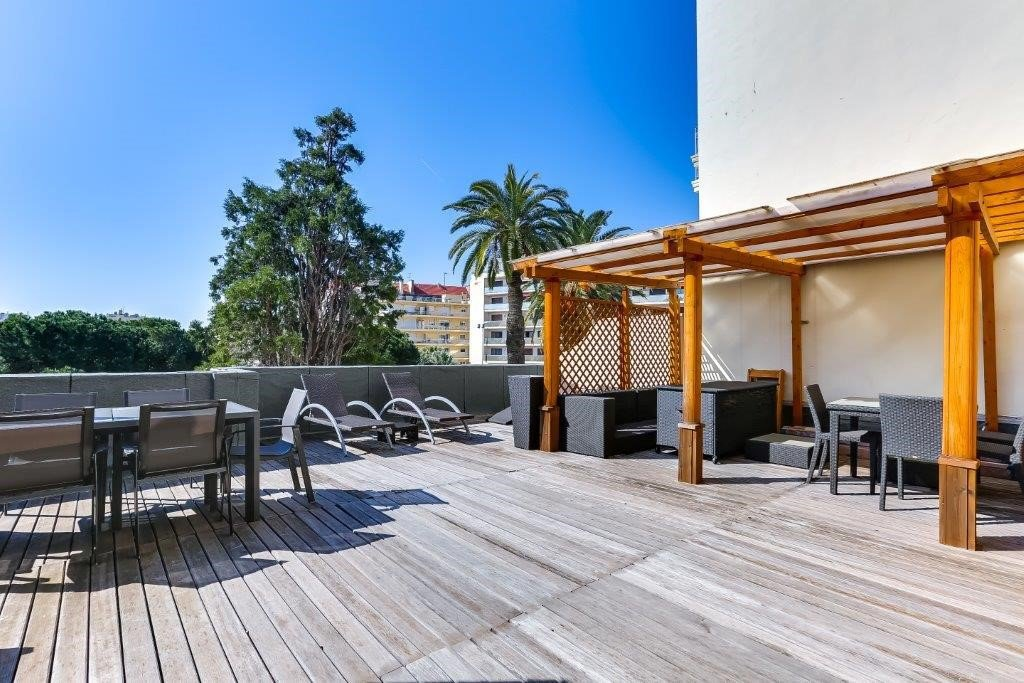 CANNES BASSE CALIFORNIE 3 ROOMS with 70sqm of terrace