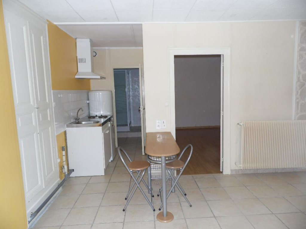Sale Building - Montceau-les-Mines