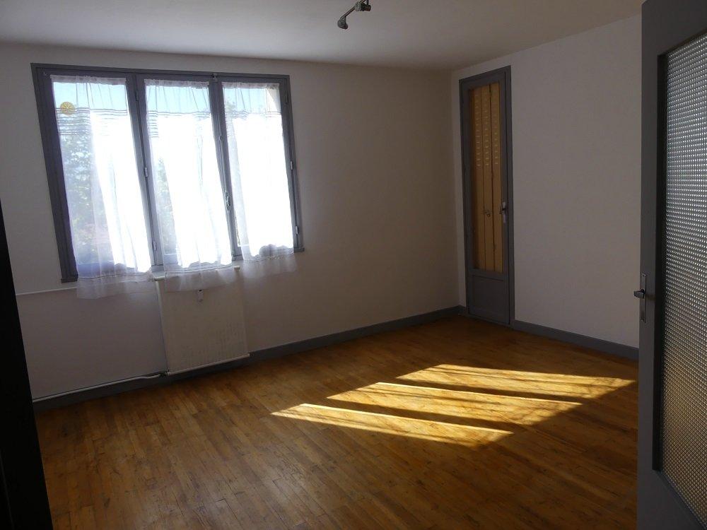 Appartement T3 avec balcon et cave