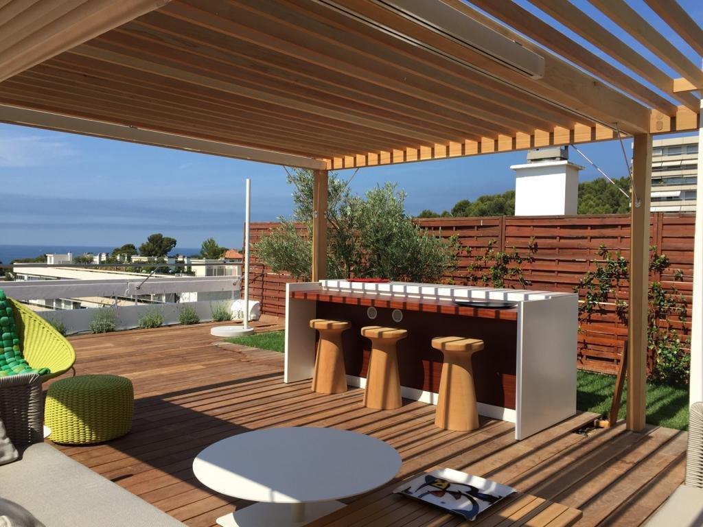 Atypique T3  terrasse 100 m2