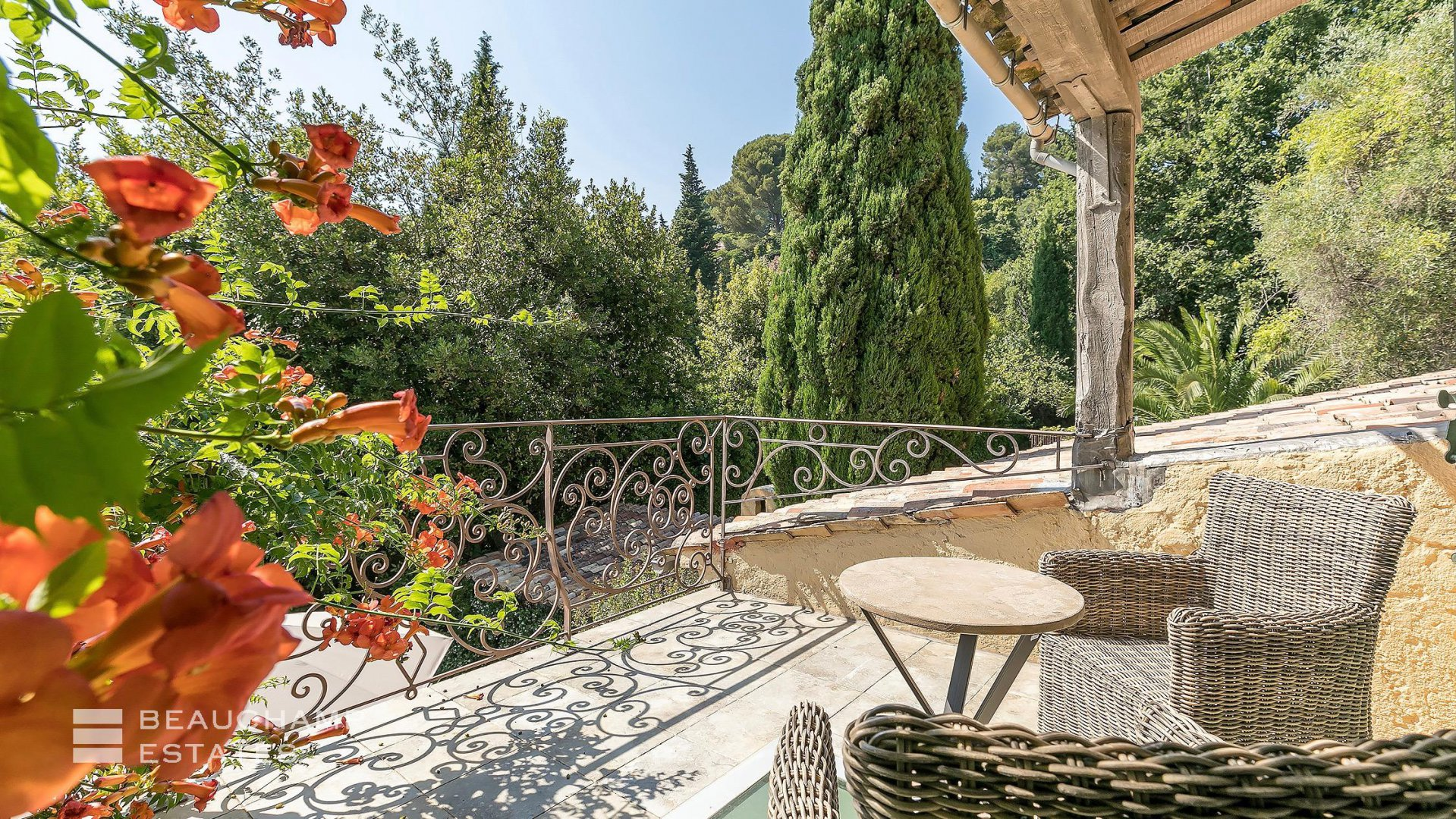 Authentic 5 Bedroom Provencal Mas in Mougins