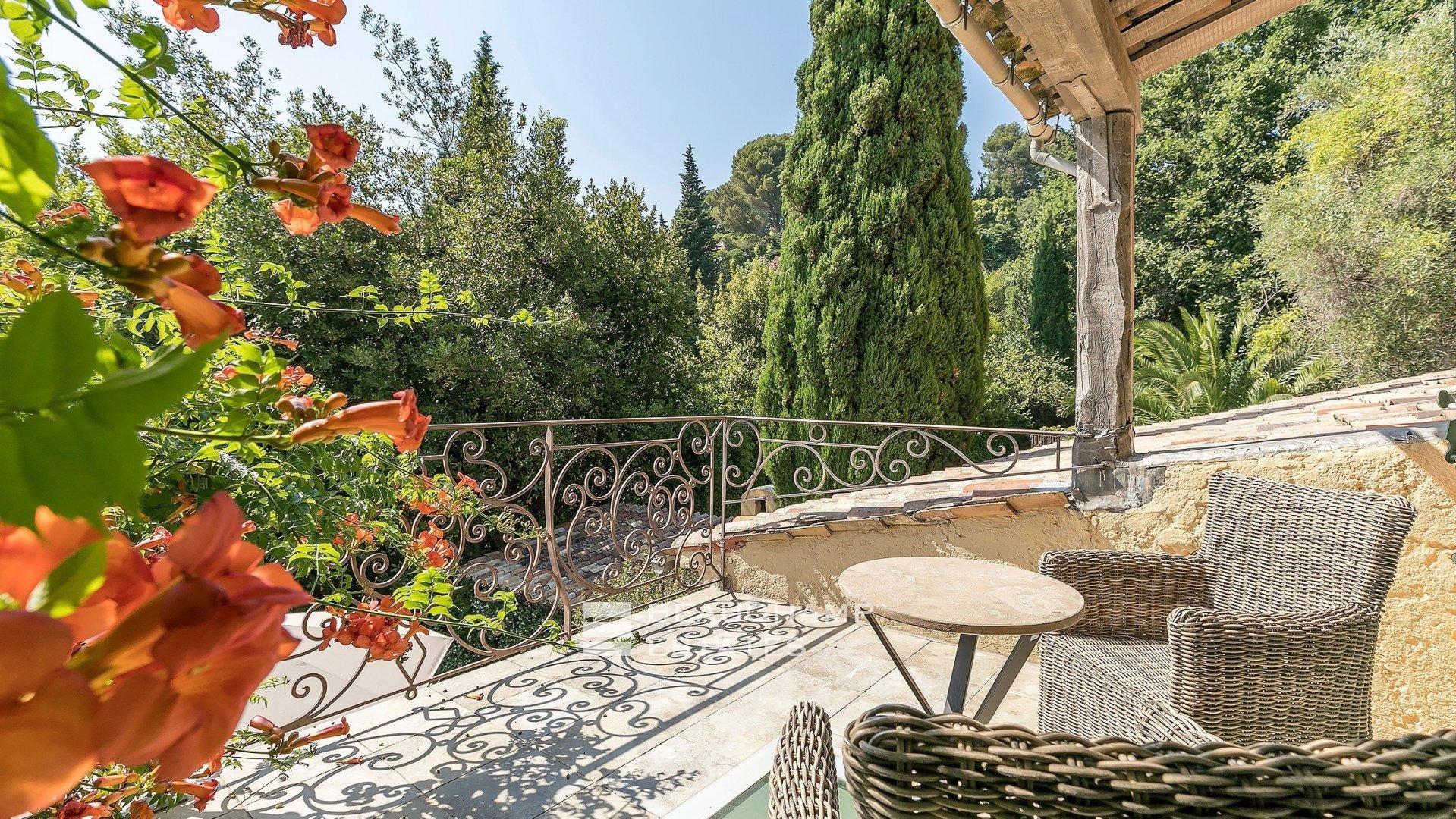 Authentique Mas Provençal 5 Chambres à Mougins