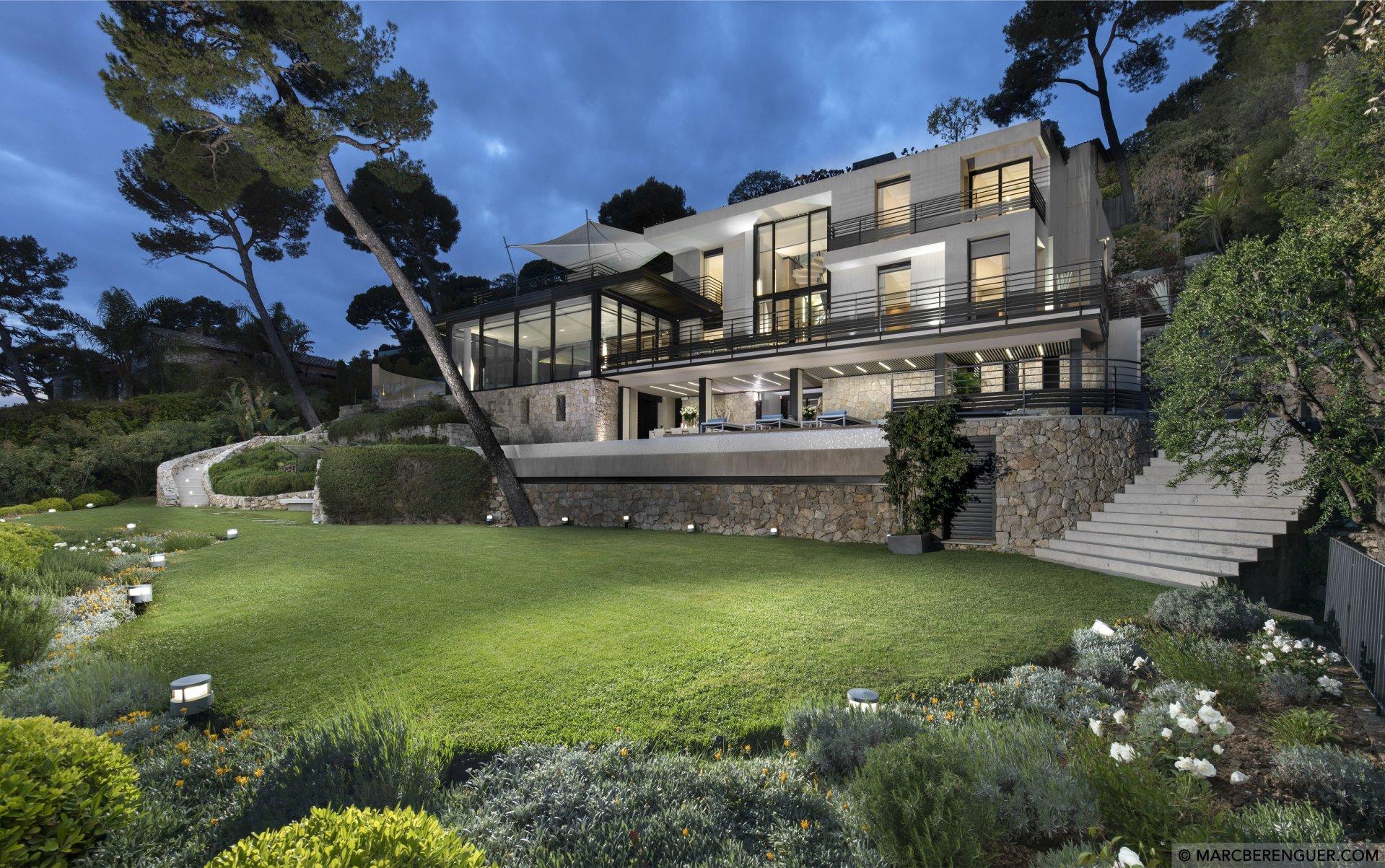 stunningmodernistvillawithpanoramicviews-318046