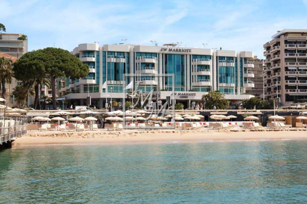 French Rviera Cannes Croisette 2 rooms