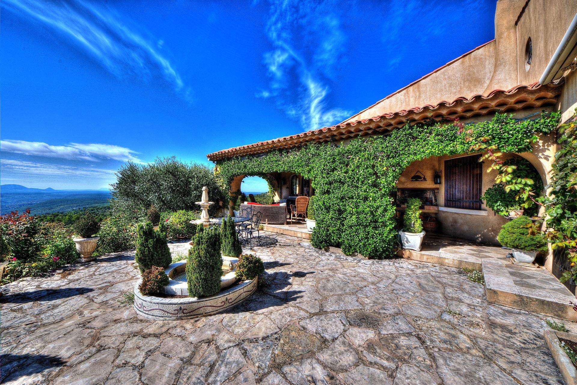 Wonderfull view, walking distance to the village, Tourtour, Var, Provence