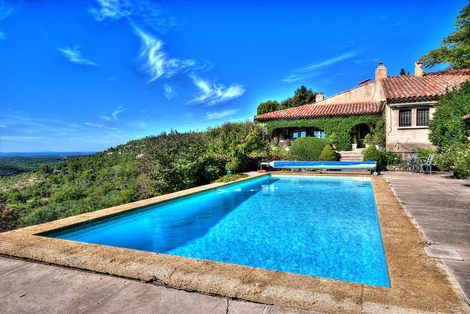Wonderfull view, walking distance to the village, Tourtour, Var, Provence