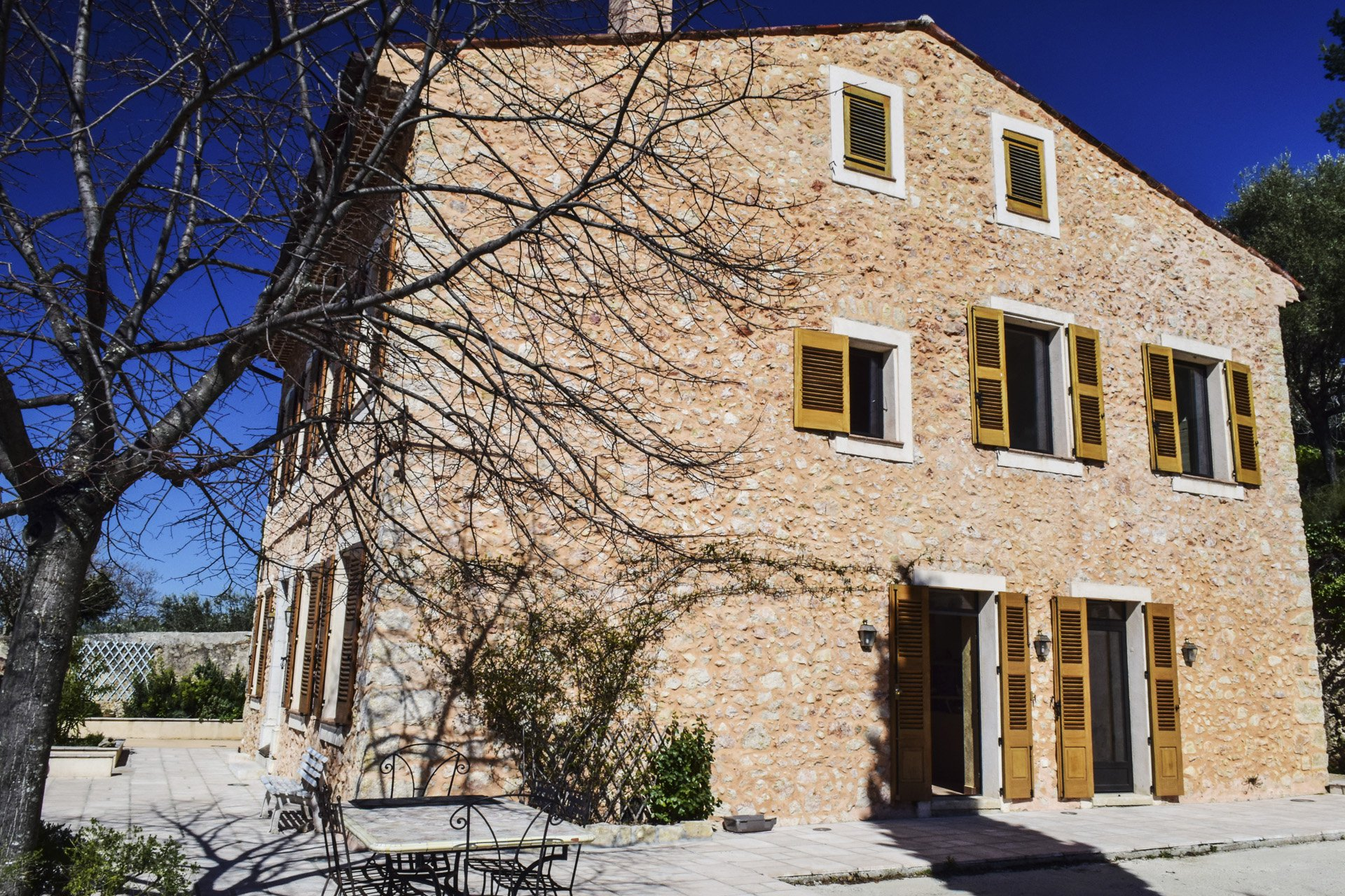 East façade 19th century mansion completely renovated with internal lift, Aups, Var, Verdon, Provence