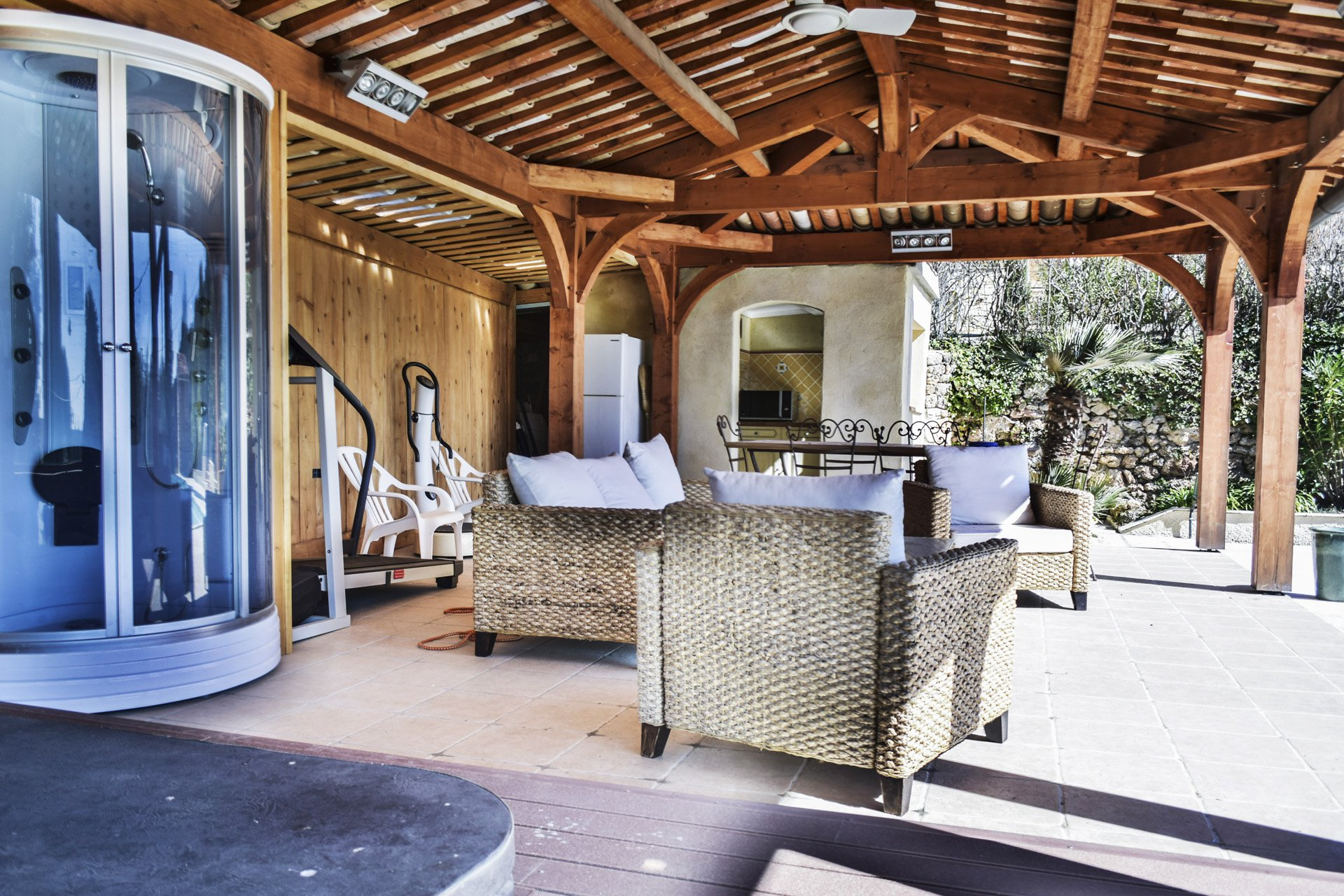 Pool house with Jacuzzi, double shower, kitchenette, 19th century master house renovated with internal lift, Aups, Var, Verdon, Provence