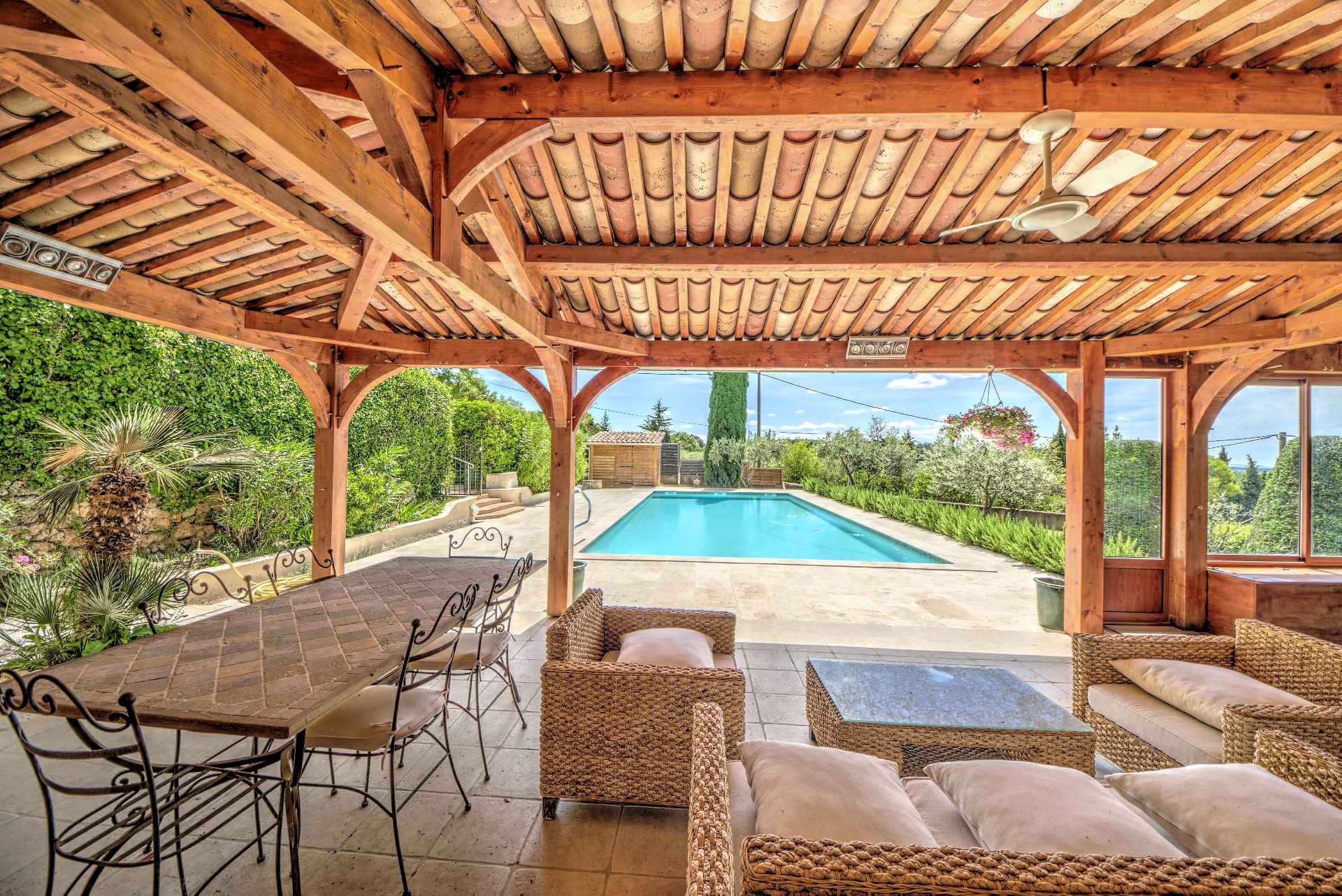 View pool house fully renovated house 5 bedrooms, 318 m², Aups, Var, Provence, Verdon