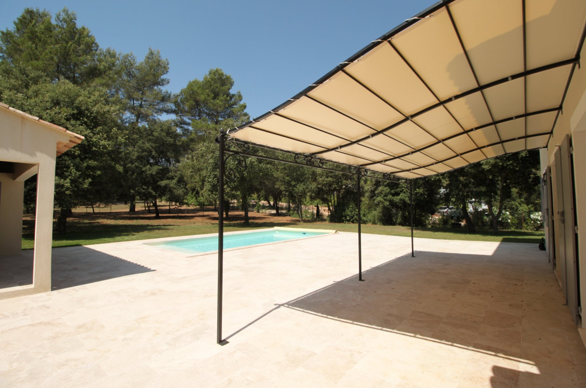 Brandnew bastide with quality and charm