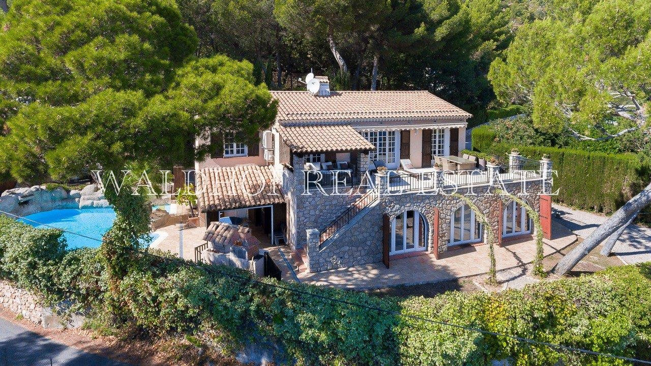 Great investment opportunity 5 minutes from Monaco!