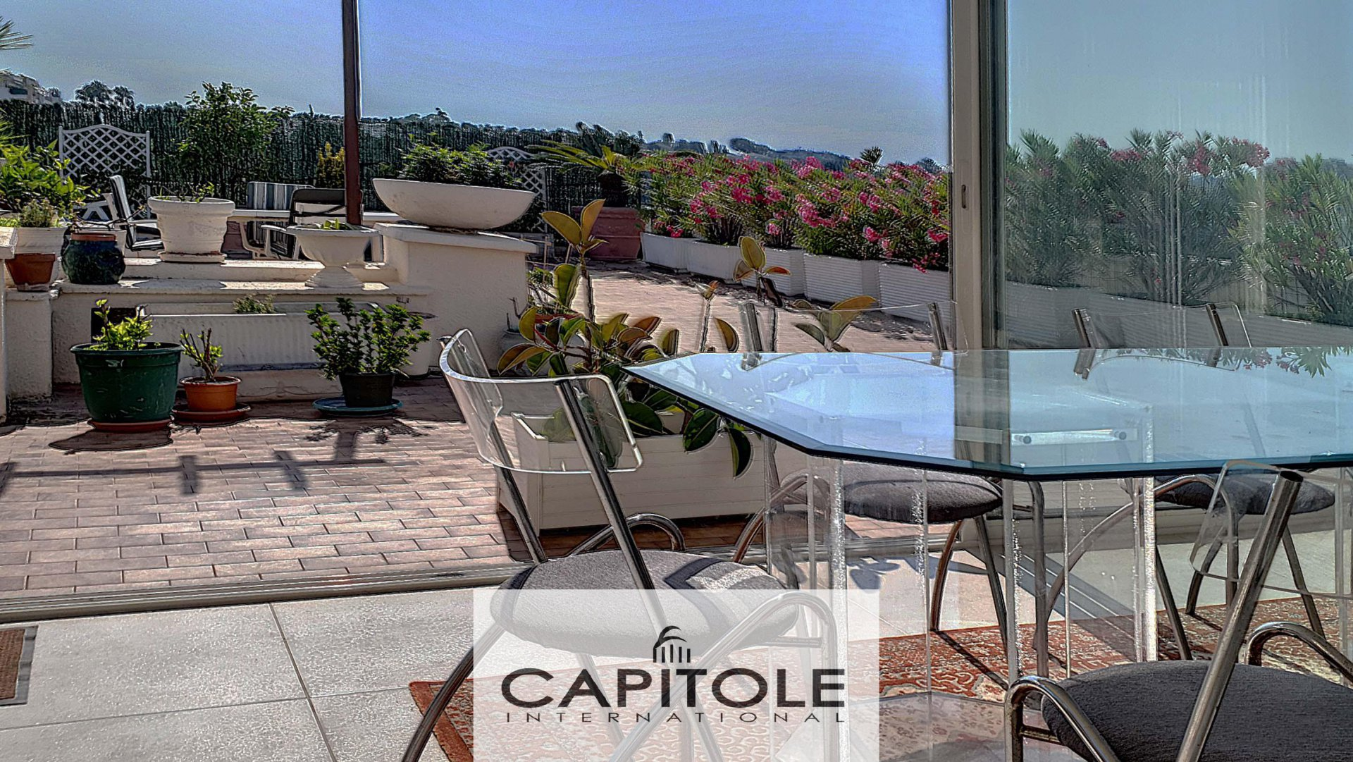 A vendre, Antibes,  villa toit appartement 3/4 pièces, aperçu mer, terrasse 150 m², garage
