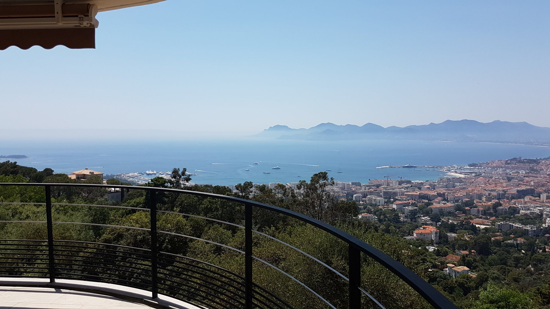 Exceptional sea view from this property in Cannes