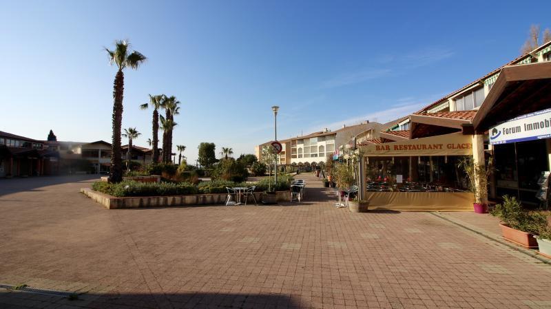 Sale Retail - La Londe-les-Maures
