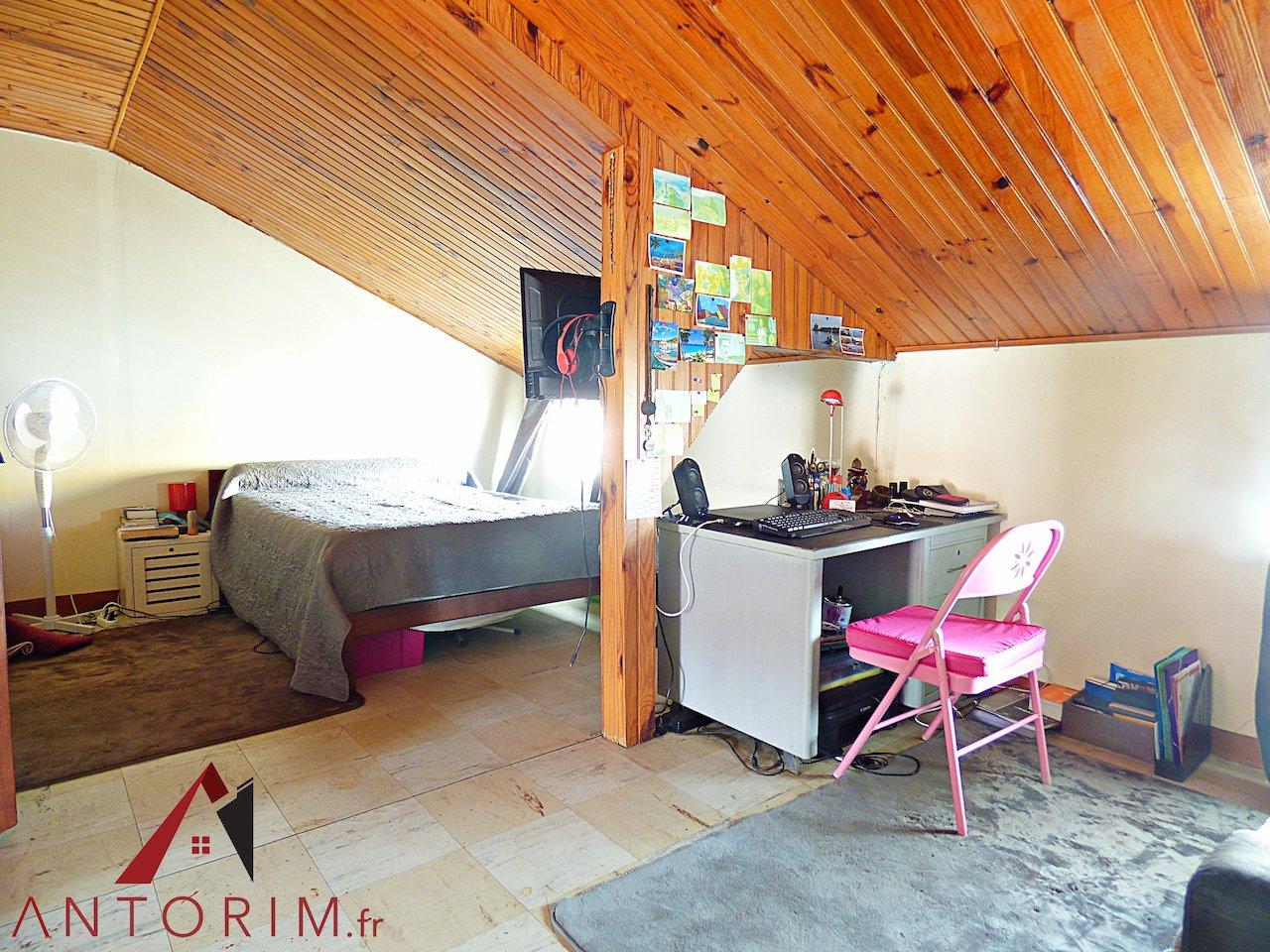 Fort-de-France - Clairière - Maison T8 + 2 studios