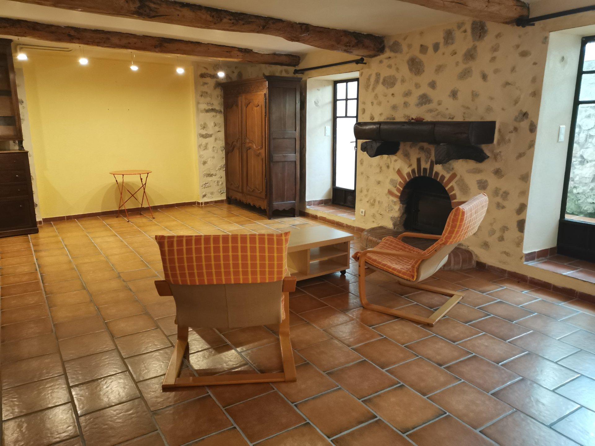 LORGUES,ancienne bastide de171 m² habi sur 5000 m² de terrain