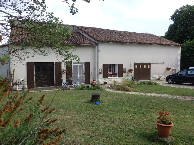 Very Pretty House and Gîte Near Romagne in the Vienne