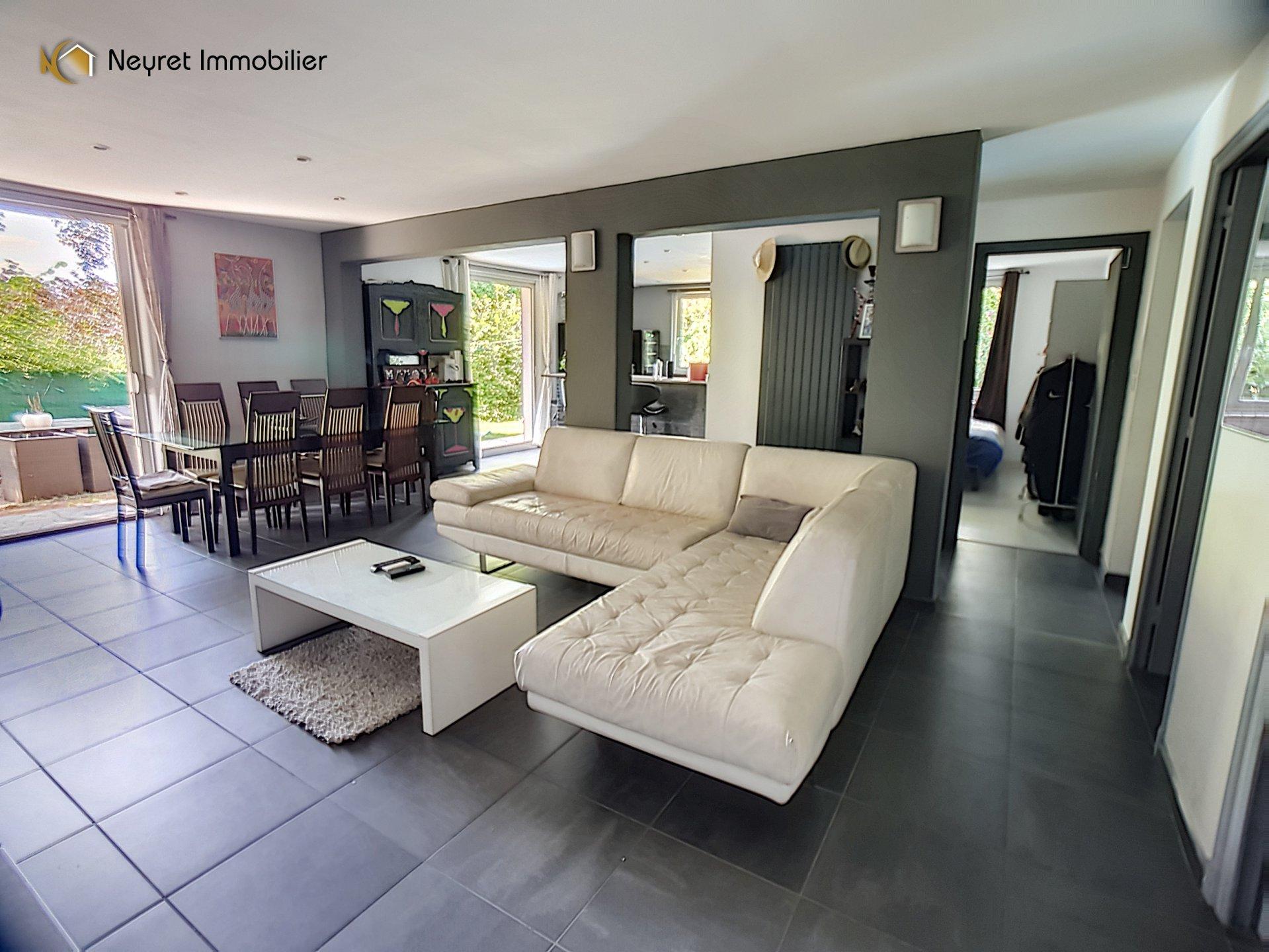 Appartement T4 de 95,02 m2 dans maison