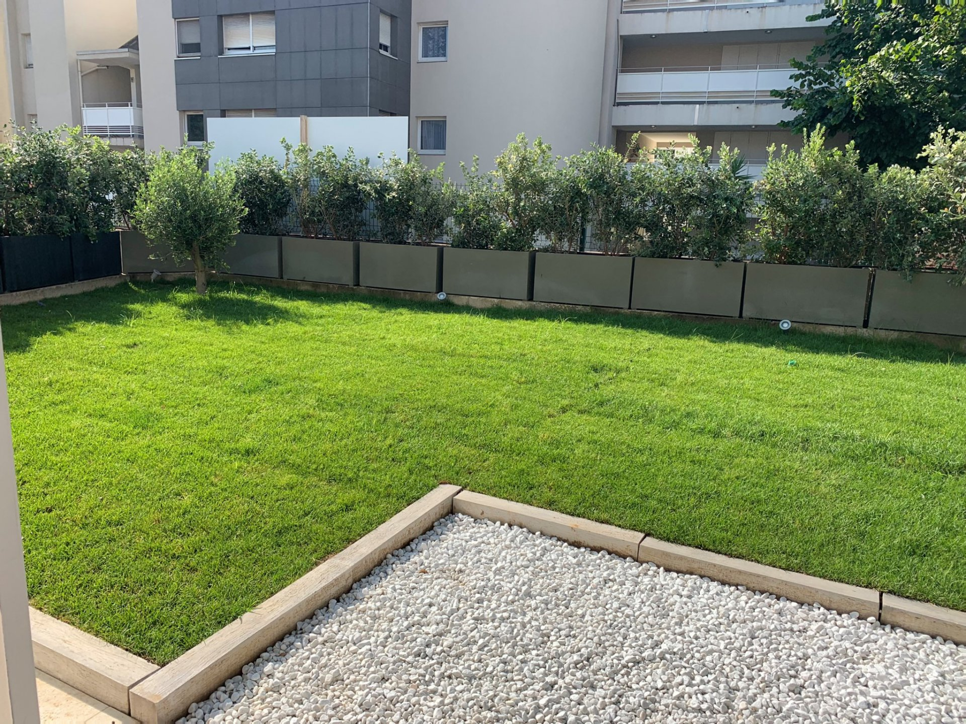 Splendid apartment 1 bedroom apartment  Ground garden 47 sqm with garden 53 sqm south facing