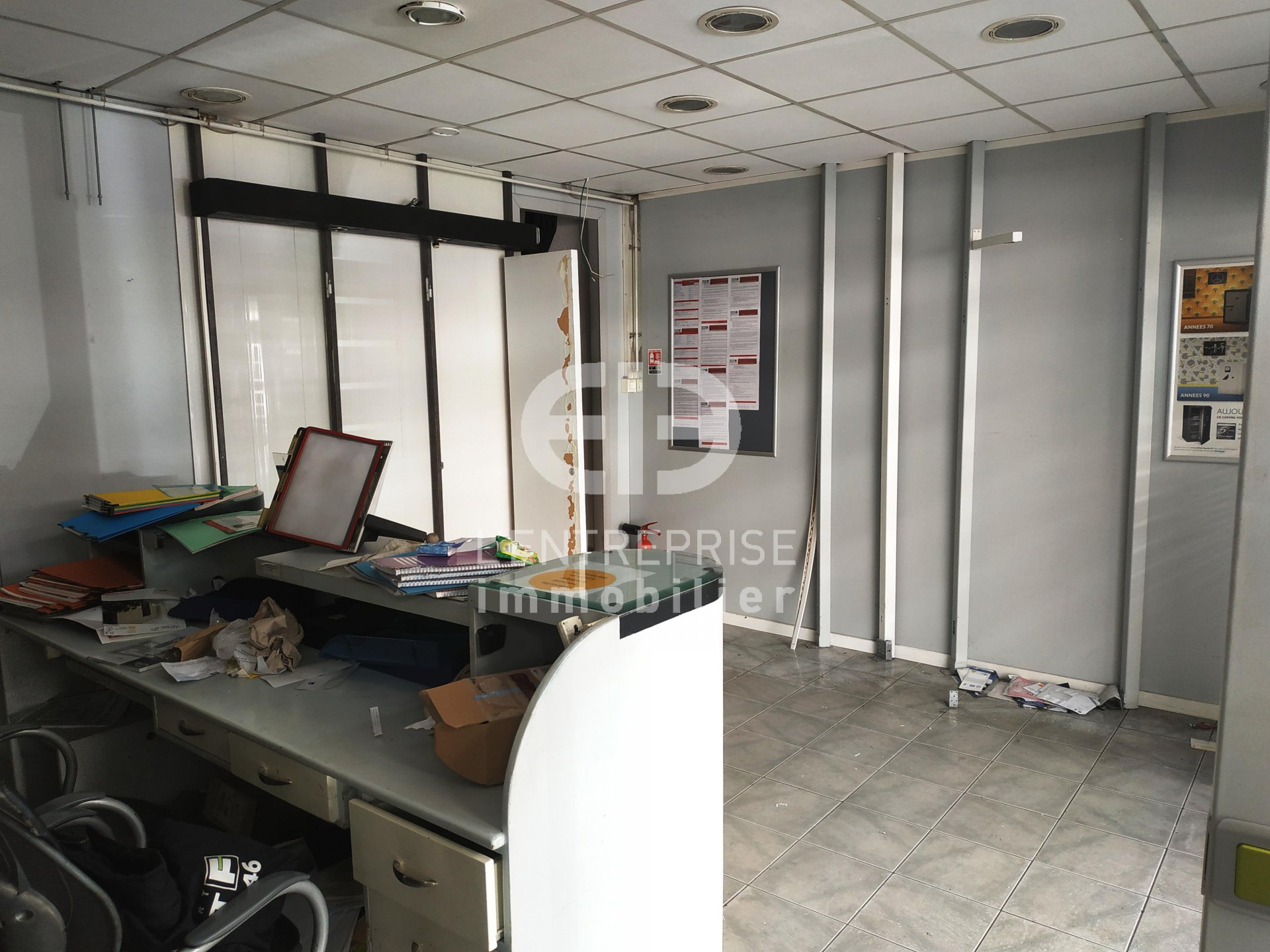 A LOUER LOCAL COMMERCIAL 27 M² NICE CENTRE