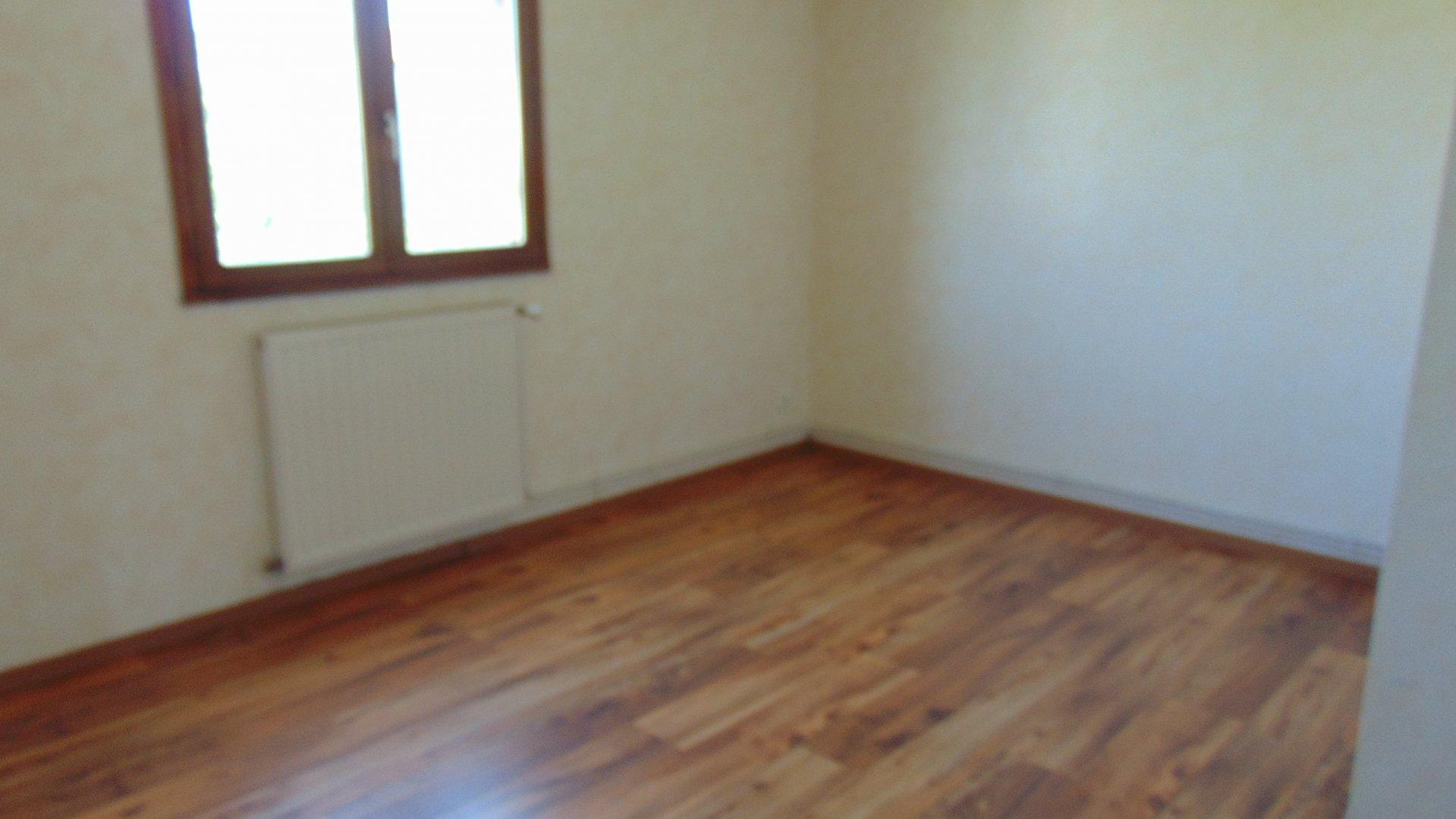 Maison contemporaine louée 700€ / mois