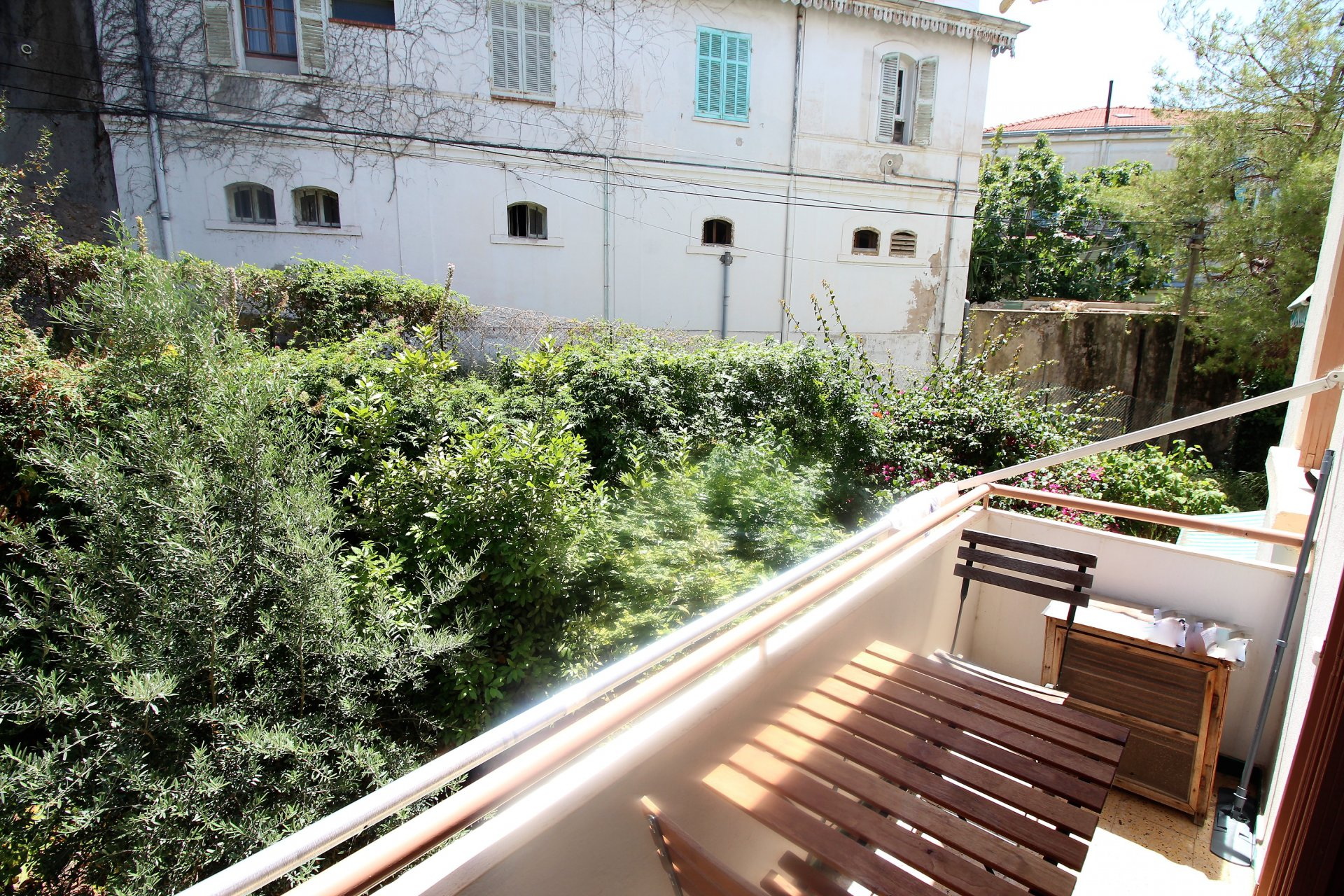 Cannes, proche square Carnot, 2P 37m² avec balcon.