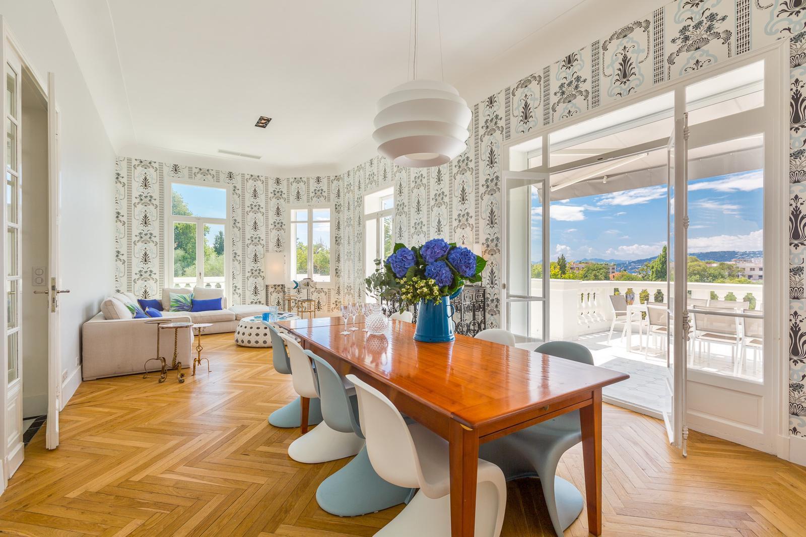 CAP D'ANTIBES - Merveilleuse villa