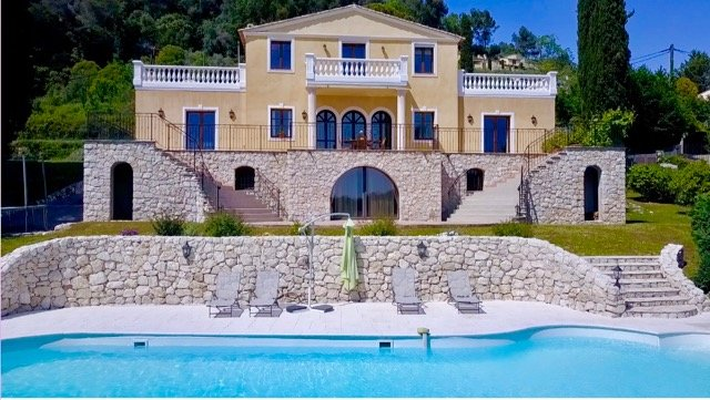 5 bedroom villa of 483m². with independent studio