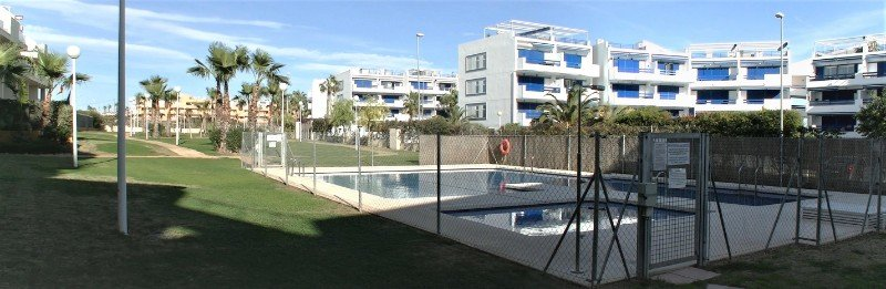 South-Facing Garden Apartment Near the Beach and full amenities