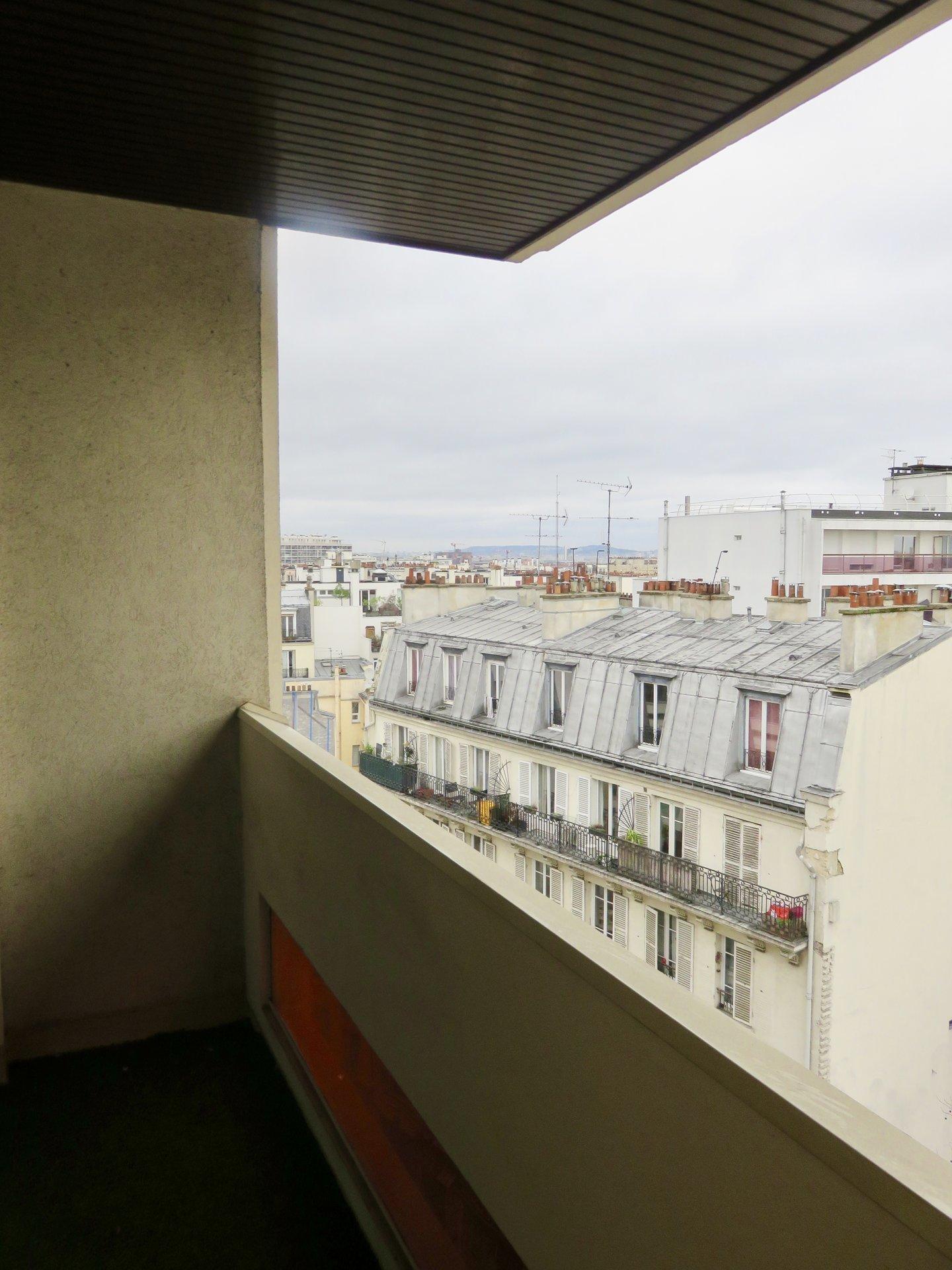 Paris - XVIII ème - M° Lamarck - Caulaincourt - VIAGER LIBRE -STUDIO - ÉTAGE ÉLEVÉ AVEC ASCENSEUR - BALCON - VUE DÉGAGÉE