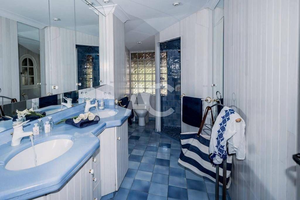 Seasonal rental Villa - Antibes
