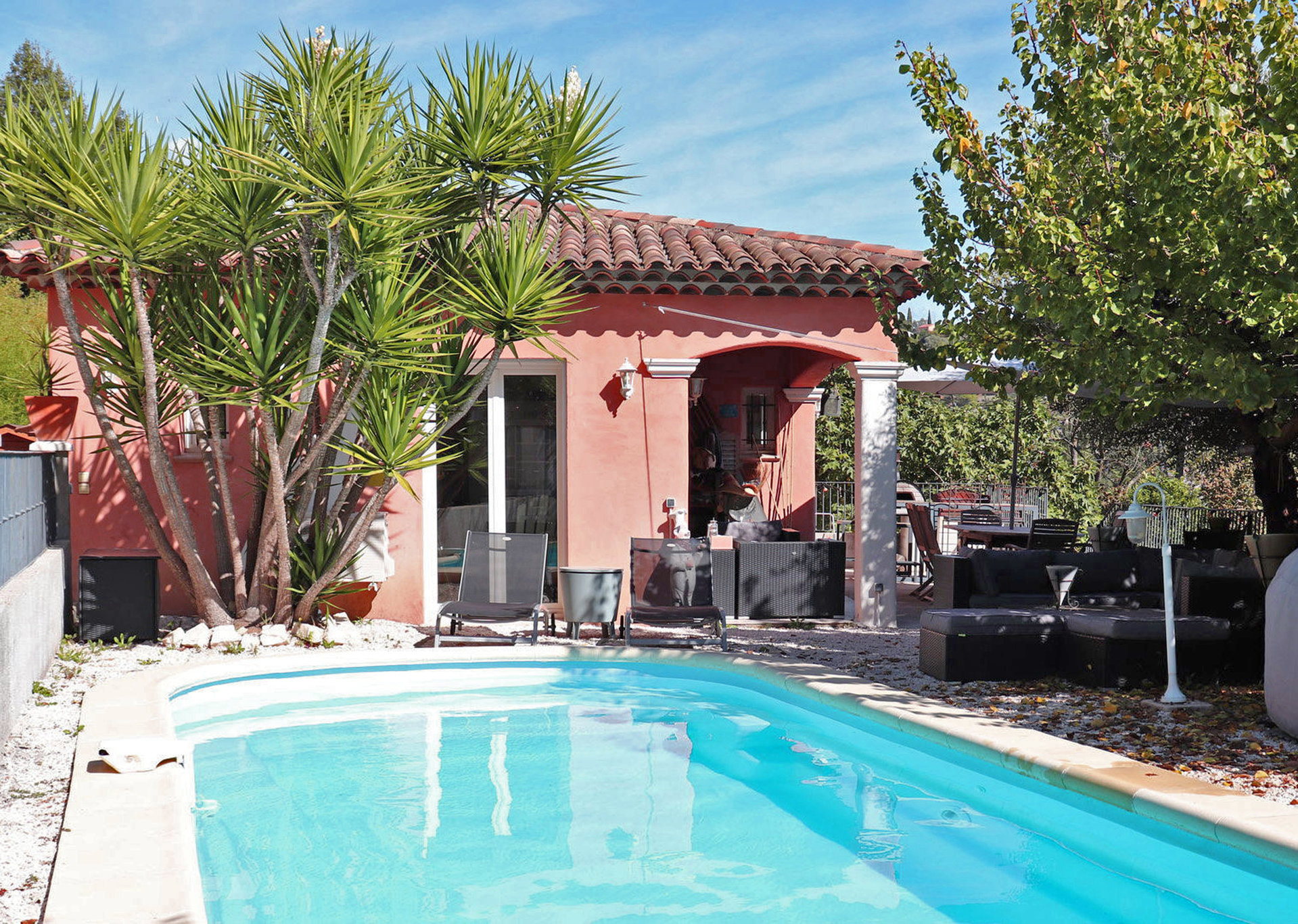 AURIBEAU SUR SIAGNE - Single storey villa in a quiet environment