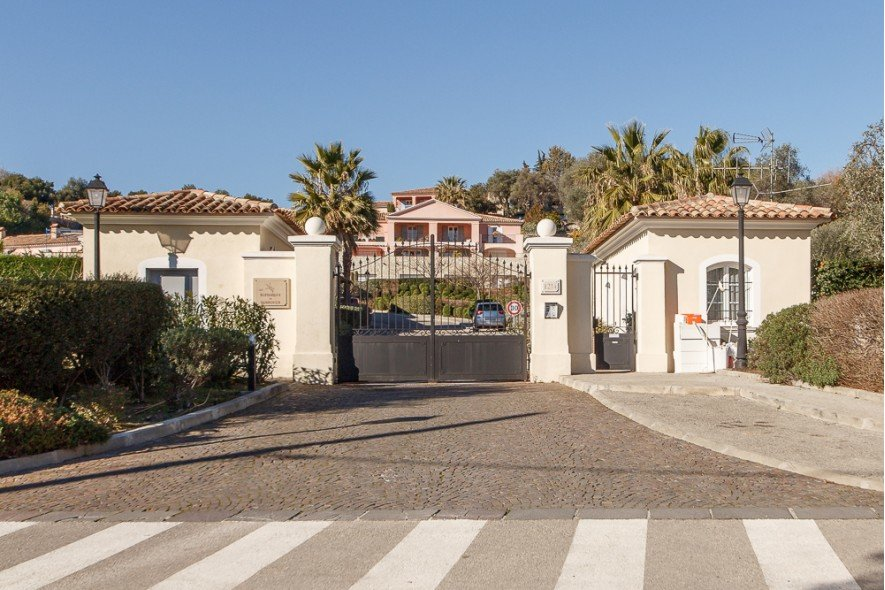 Villeneuve-Loubet - Charming Provencal Villa with sea view
