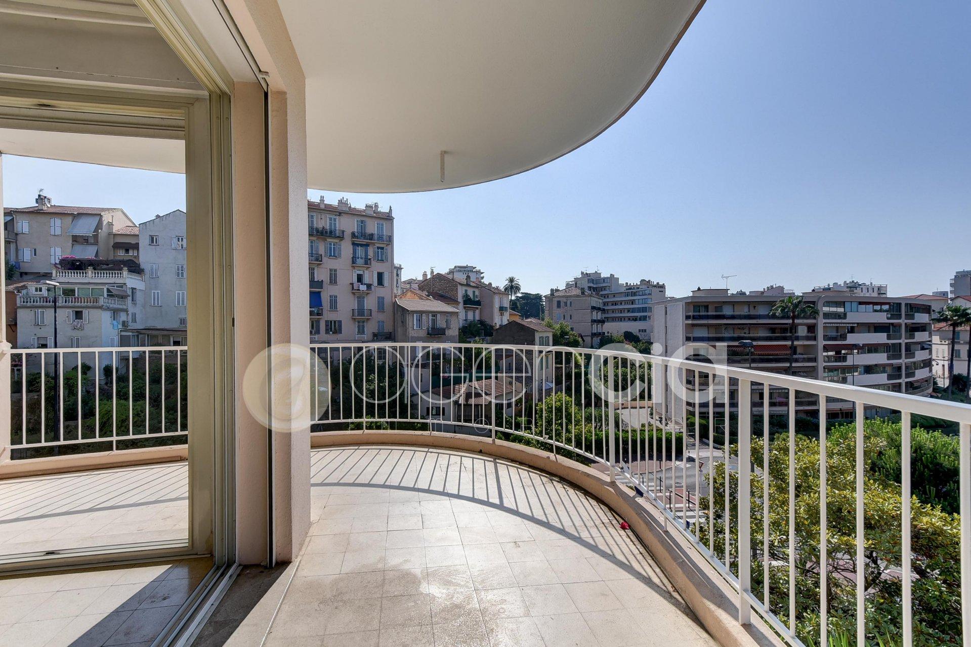 Appartement 3P avec terrasse - proche plage et commerces à pieds
