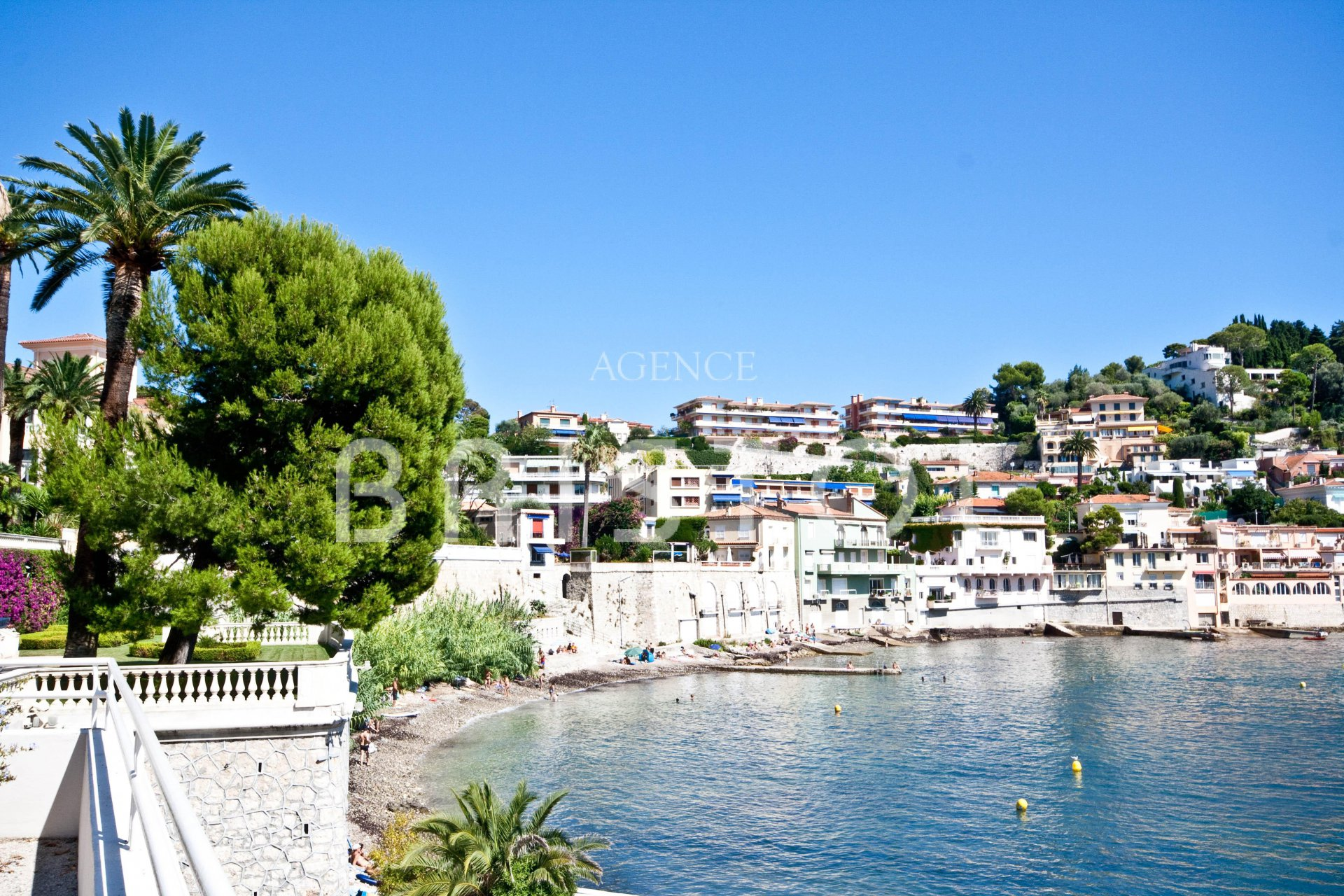 Waterfront apartment in Villefranche sur mer with amazing sea view on the Cap Ferrat