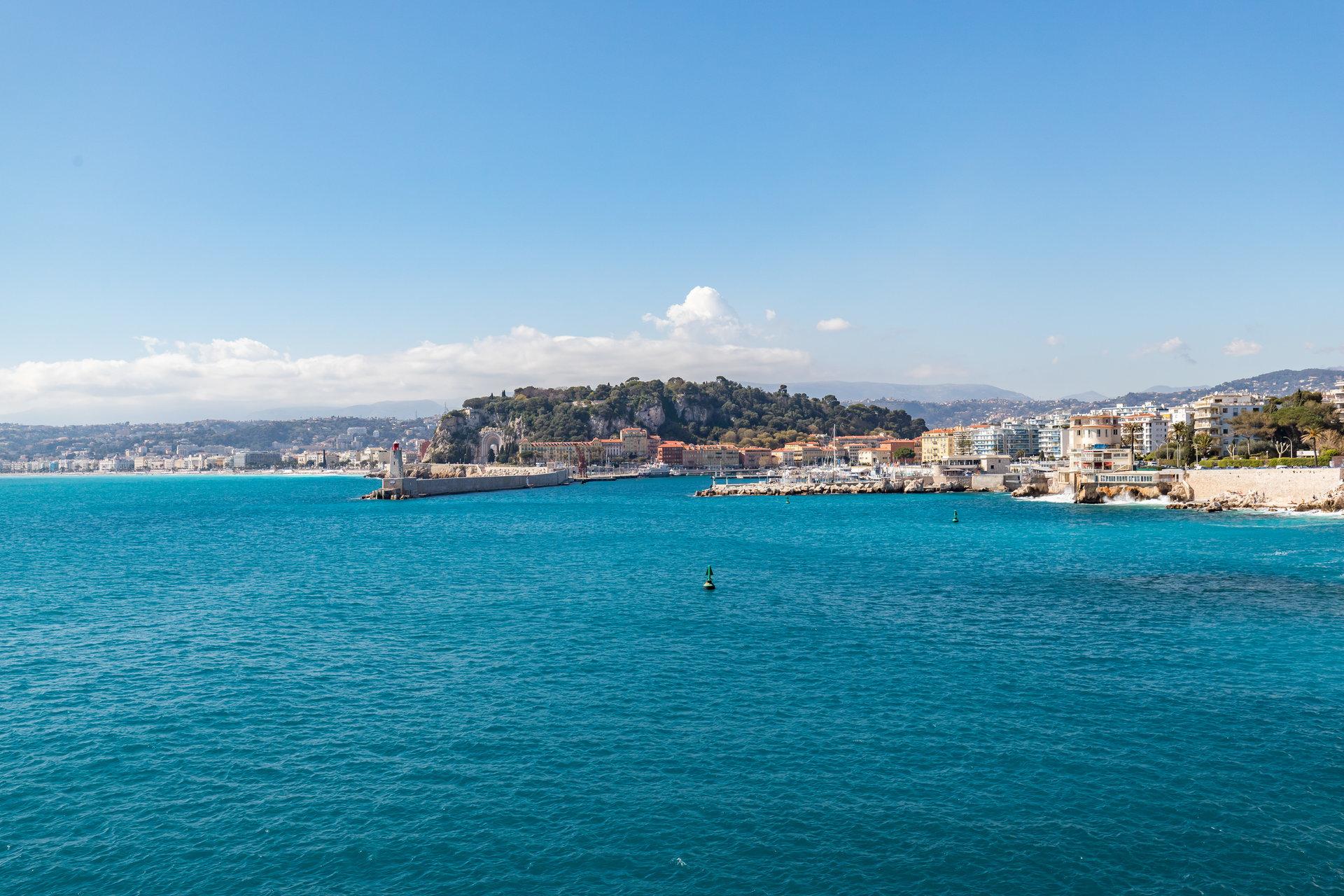 Nice Cap de Nice 2p vue mer et château