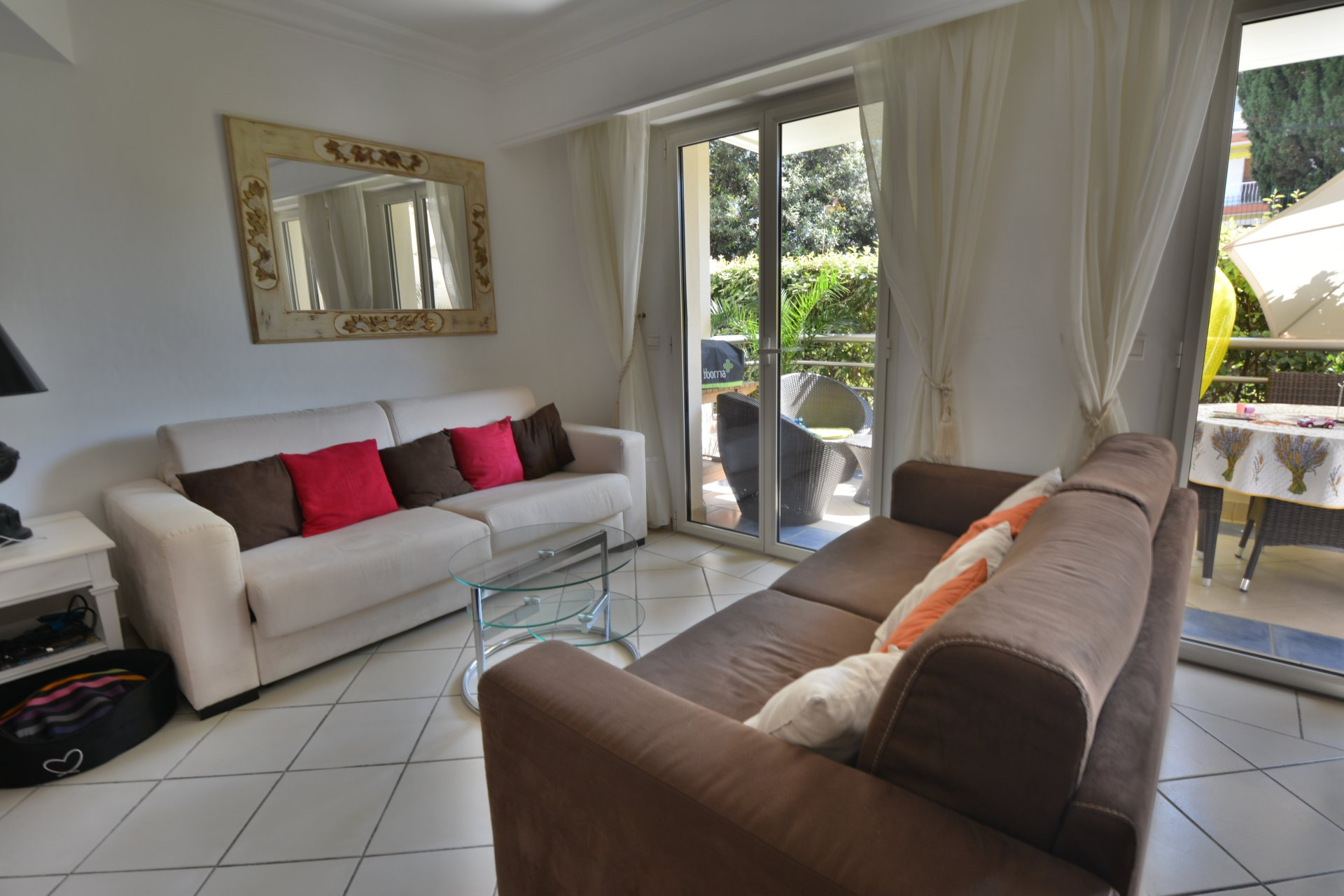 JUAN LES PINS  - HIGH QUALITY BUILDING - ONE BEDROOM