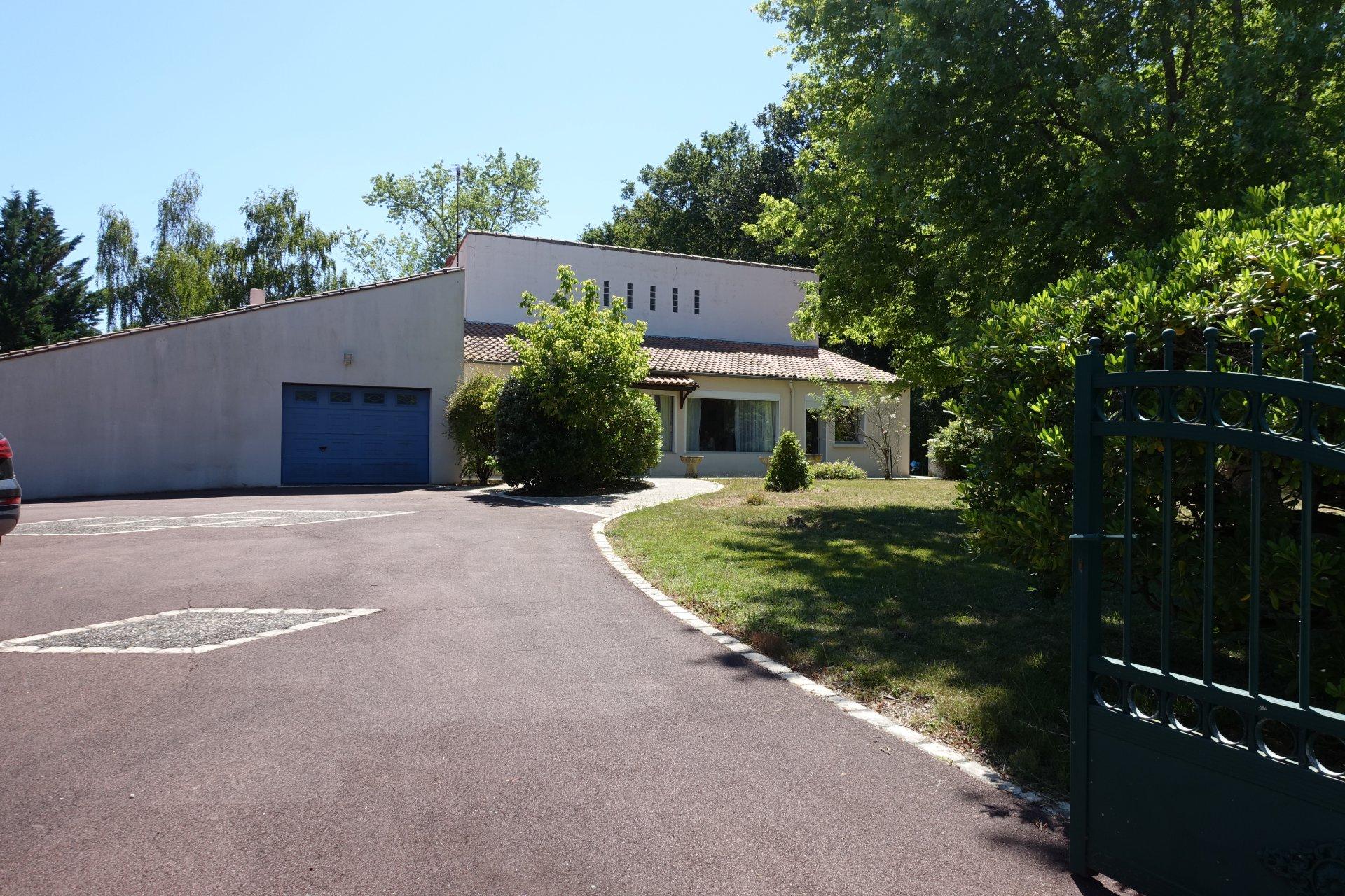 Maison Traditionnelle -  GOLF FONTCOUVERTE