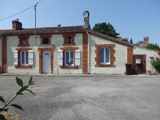 Mooi huis en tuin in de buurt van Gajoubert in Haute Vienne