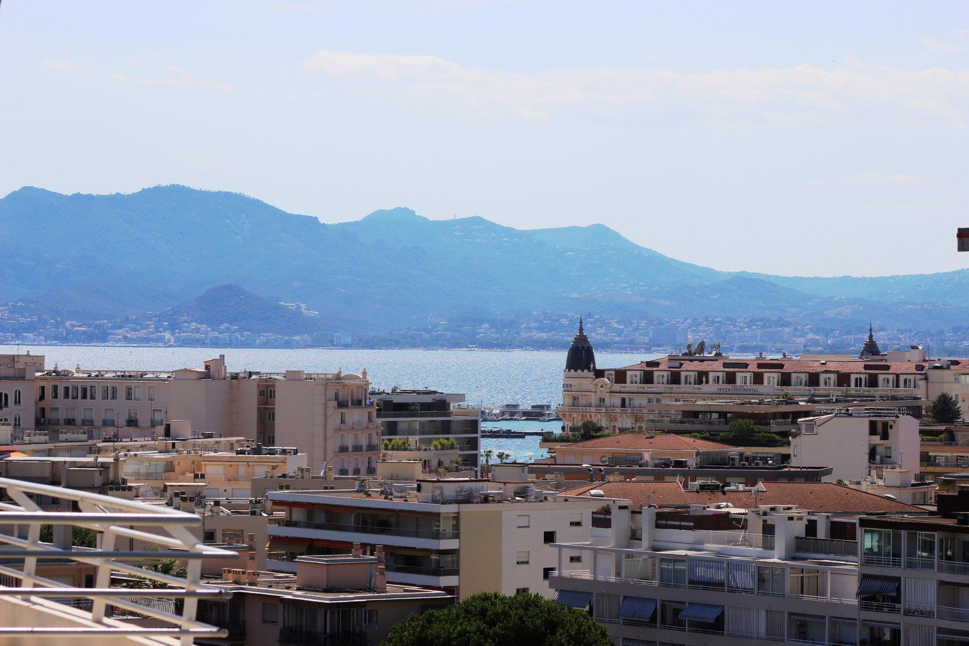 Bostad till salu i Cannes med havsutsikt