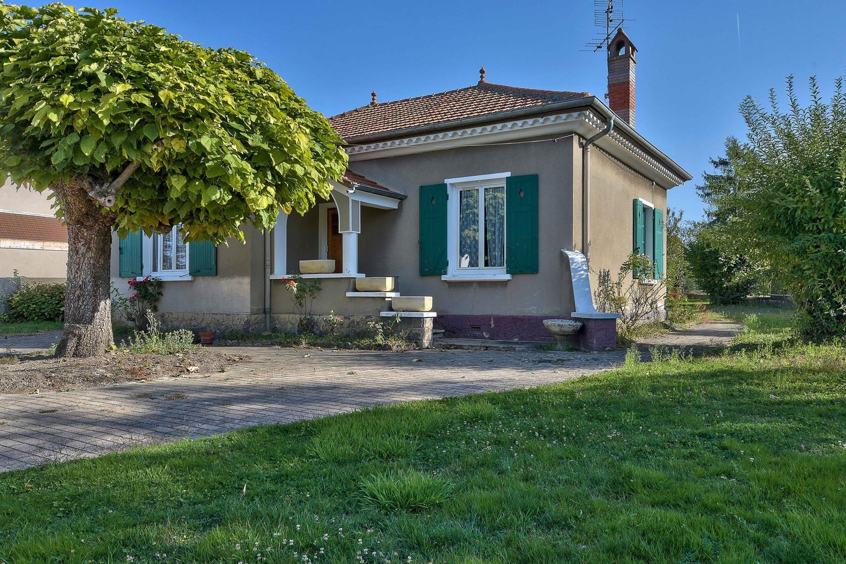 Maison individuelle sur environ 500 m2 terrain hor