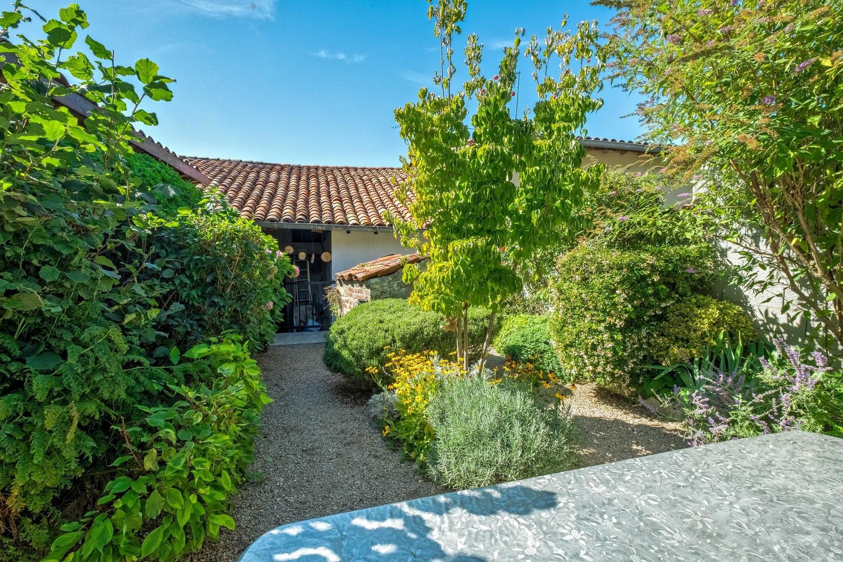 Vente Maison de village - Neuville-les-Dames